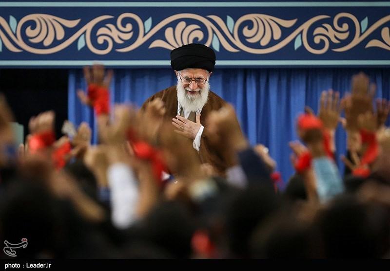دیدار هزاران نفر از دانشآموزان و دانشجویان با رهبر معظم انقلاب